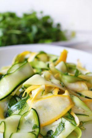 frisse courgettesalade met mozzarella
